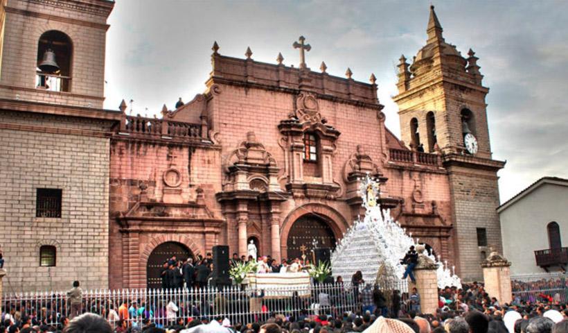 Procesiones de Semana Santa en Ayacucho