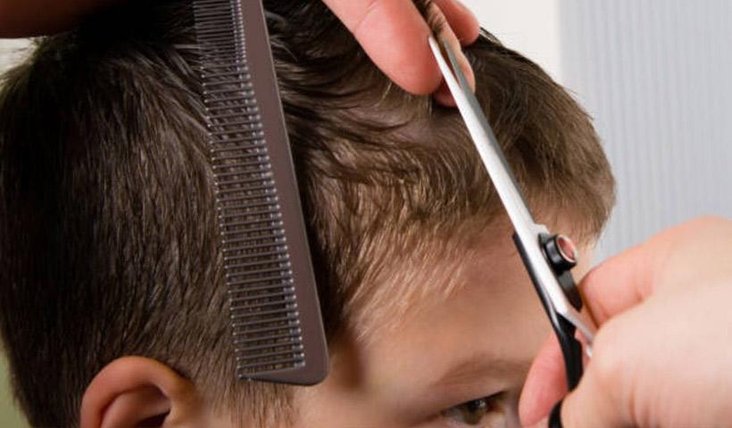 Corte de cabello para niños en casa